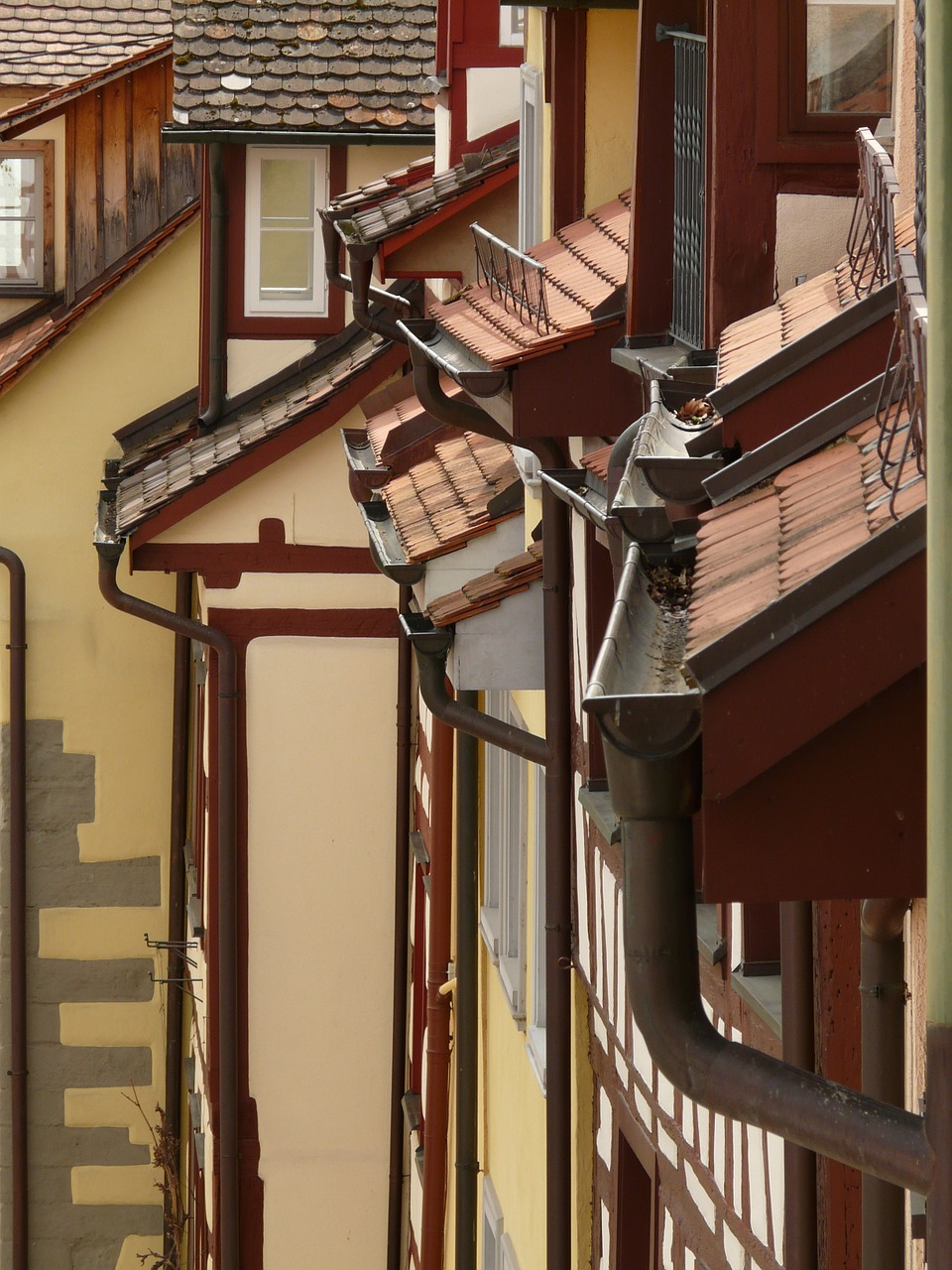 an image of guttering in summertime